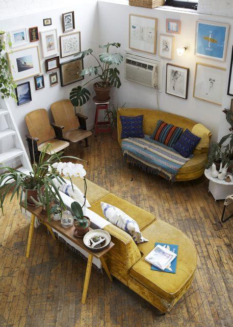 Decoración de salas pequeñas color mostaza