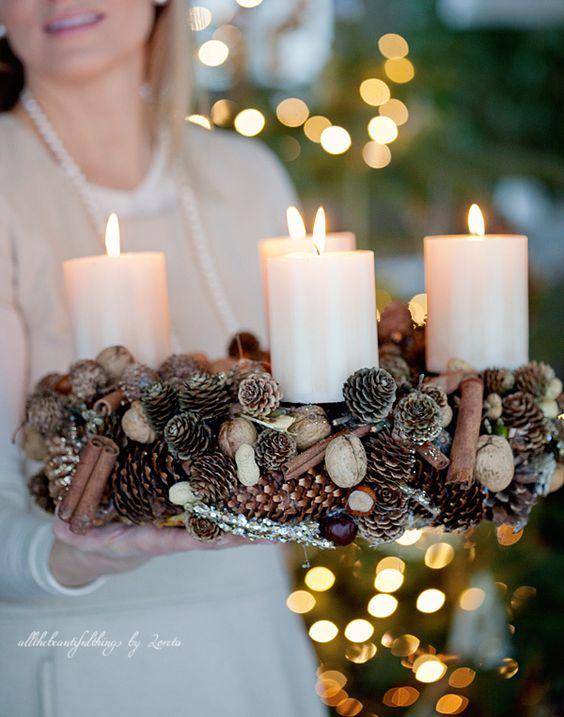 Im genes de adornos navide os con pi as decoracion de interiores fachadas para casas como - Adornos navidenos con pinas ...