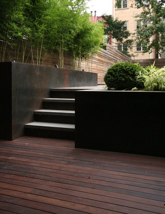 Jardineras en fachadas de acero galvanizado