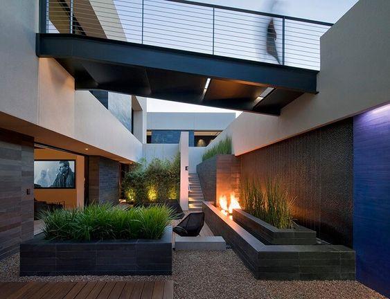 Jardineras en fachadas de casas