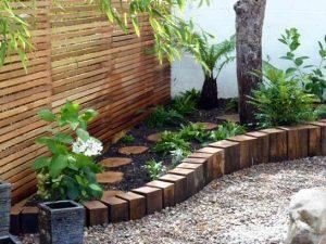 Jardineras en fachadas rústicas