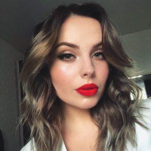 Añade colores para un maquillaje para la oficina original