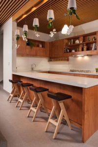 cocinas de madera modernas con isla (5)
