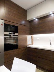 cocinas de madera modernas en tonos oscuros (4)