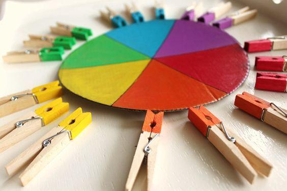 Curso de manualidades para enseñar los colores
