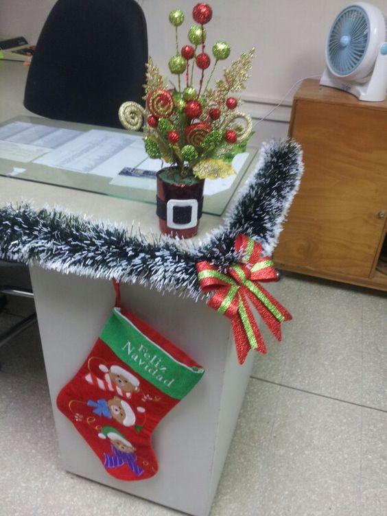 De 280 fotos decoracion de navidad 2019 tendencias e ideas for Adornos de navidad para oficina