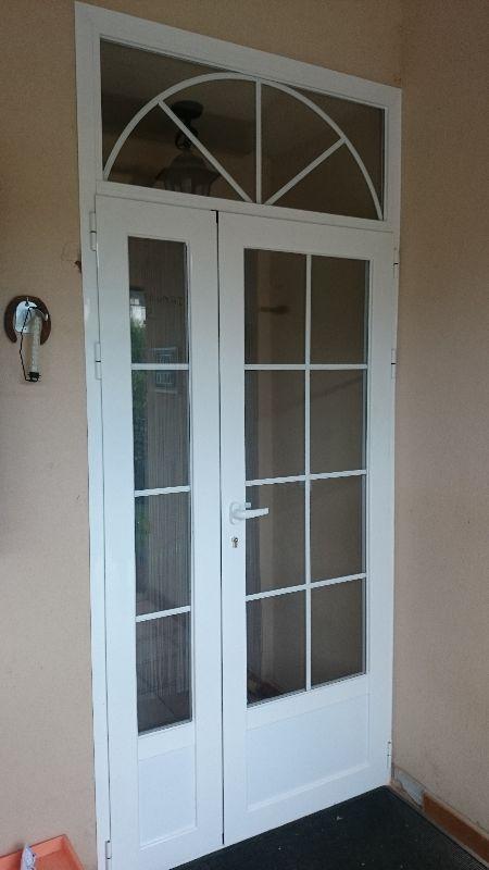 Diseños de puertas principales de aluminio