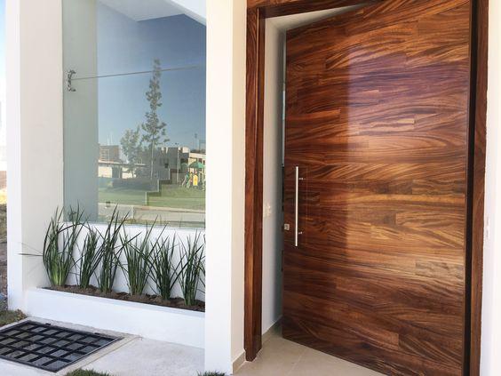 Puertas principales modernas 2018 2019 tendencias para for Modelos de puertas de madera para puerta principal
