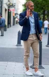 looks con tenis para hombre