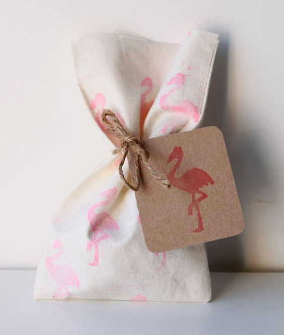 Souvenirs para fiesta de flamingos