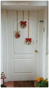adornos de navidad para las puertas economicos