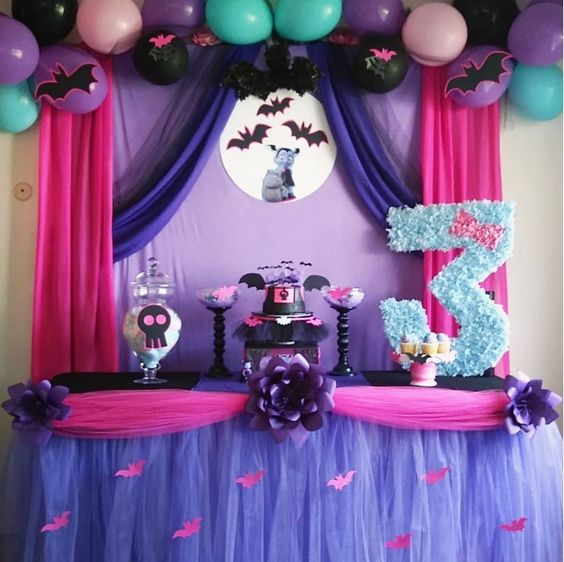 Vampirin decoration for birthday