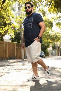 Looks de verano estilo plus size para hombre