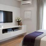 tv en dormitorio pequeño