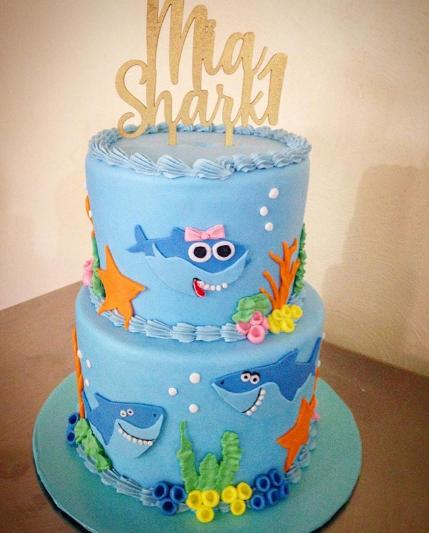 pasteles de baby shark fiesta