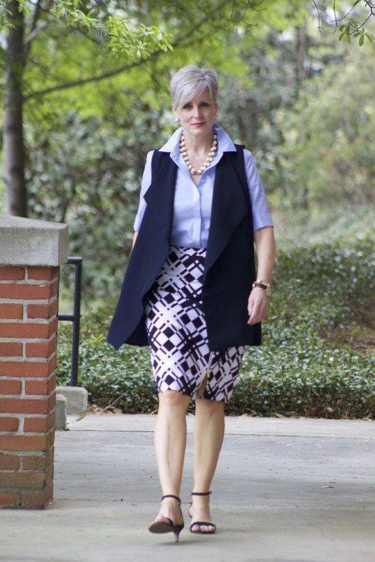 Moda para mujeres de 65 años 2019 con faldas