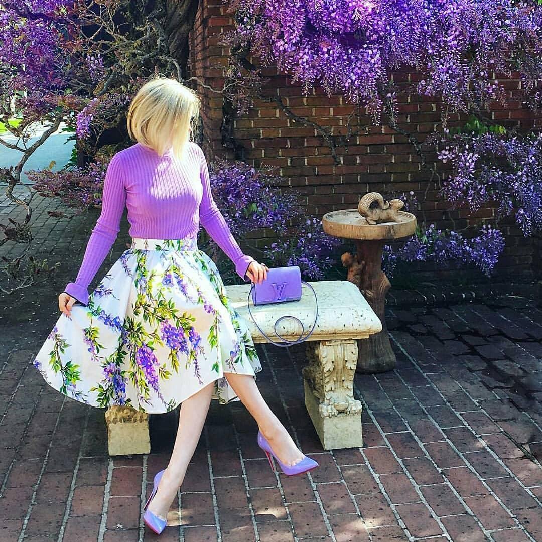 Outfit casual para mujeres de 40 con falda