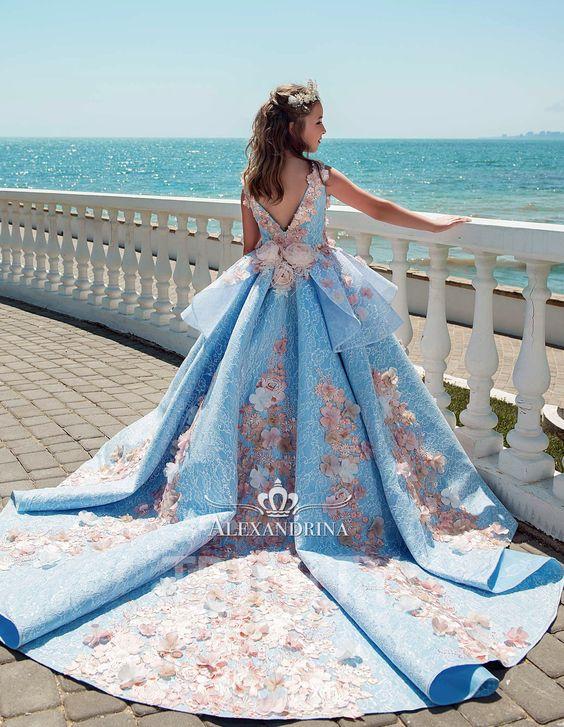 Vestidos de reinas y princesas infantiles
