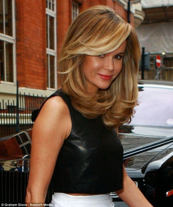 cortes de pelo largo para mujeres de 50 años