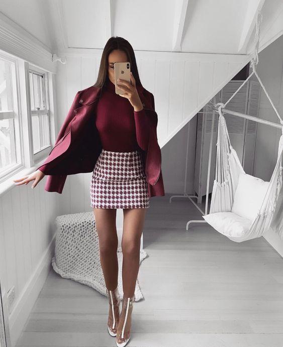 Moda de invierno con falda para mujer