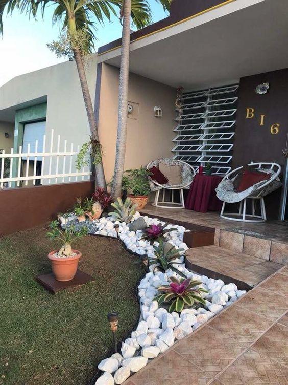 jardines pequeños para el frente de tu casa