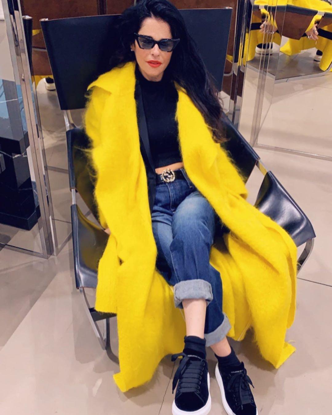 outfit con jeans 2019 y abrigos mujeres madura