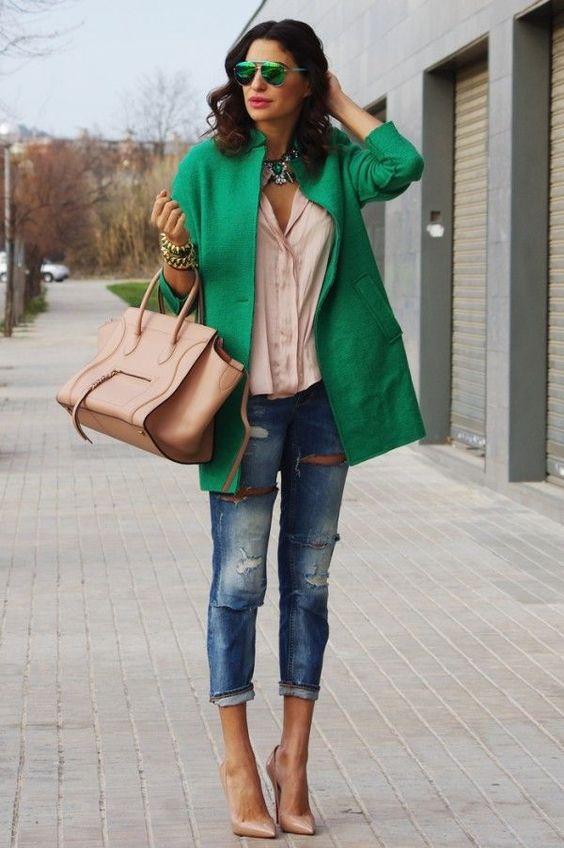 outfit con jeans 2019 y abrigos mujeres maduras