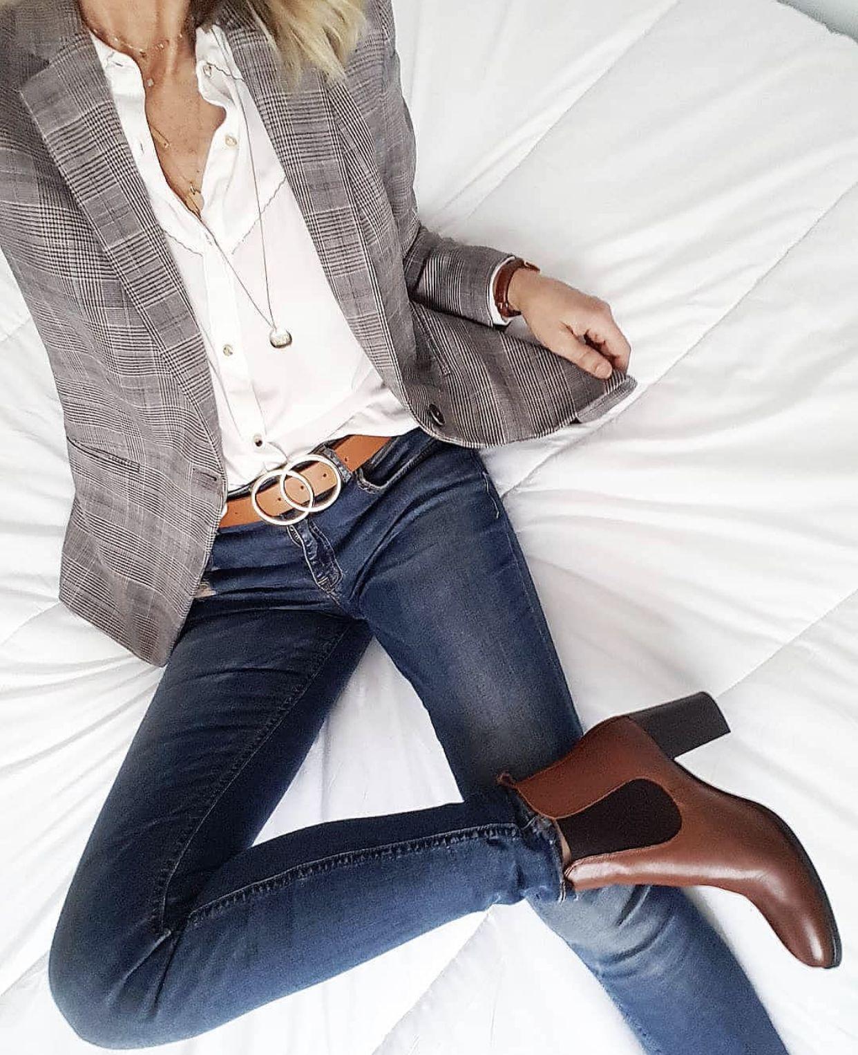 Jeans y blusas formales para mamas que trabajan