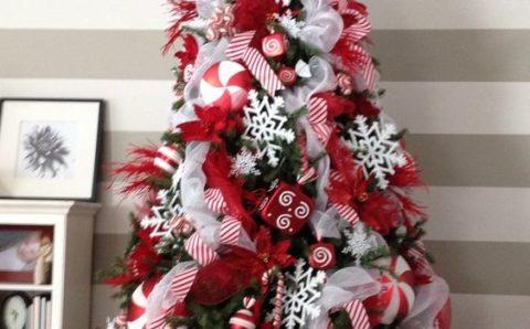 Decoracion de navidad con toques de caramelos y mentas