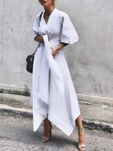 inclinate por las ropas con capas