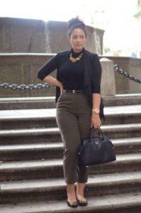 tips para vestir con uniforme de oficina si eres una chica con curva