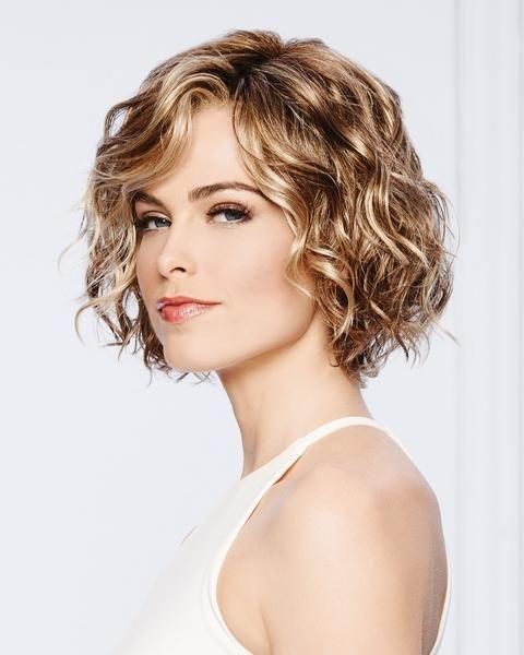 corte bob para mujeres maduras cabello ondulado
