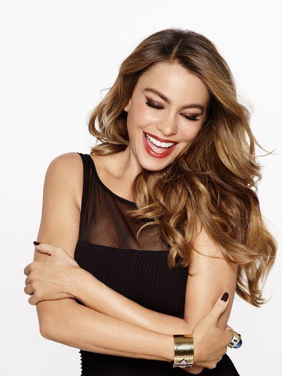 cortes de cabello largo para mujeres de 40 cabello ondulado en capas