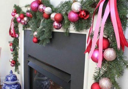 Ideas llamativas para decorar tu casa con esferas navideñas