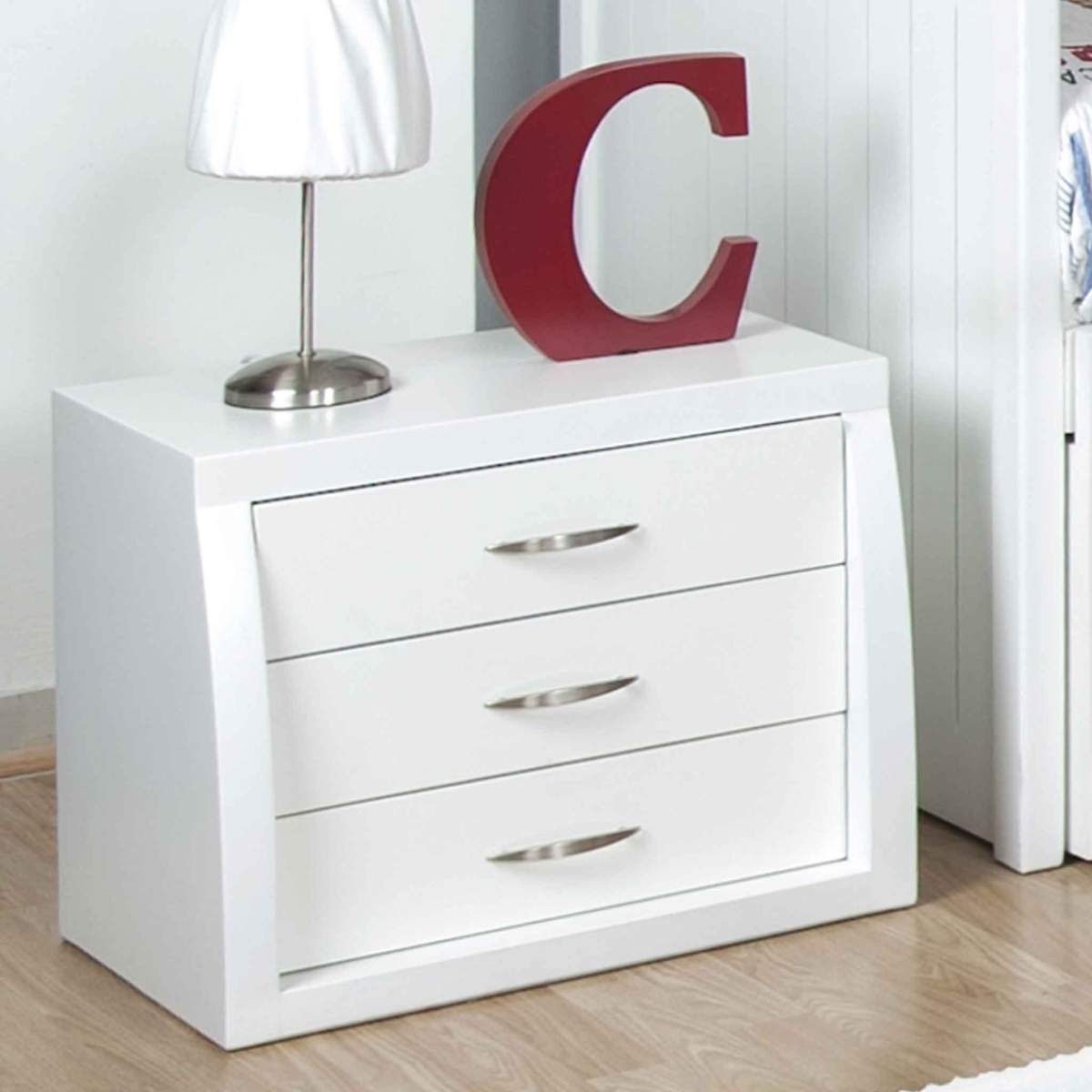 Restaurar o comprar mesas de noche para reformar tu casa