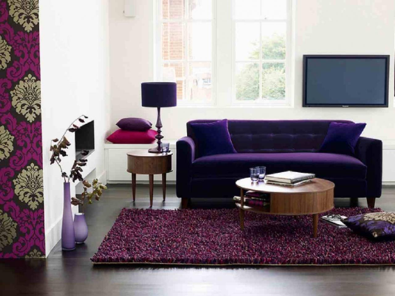 Sofá moderno morado oscuro