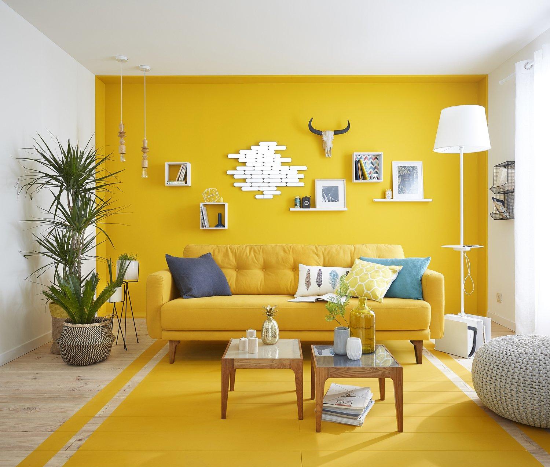 Usa colores claros para que tu sala se vea mas grande