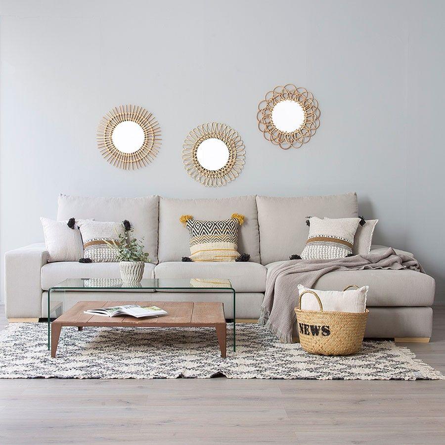 Decoración con espejos redondos en sala