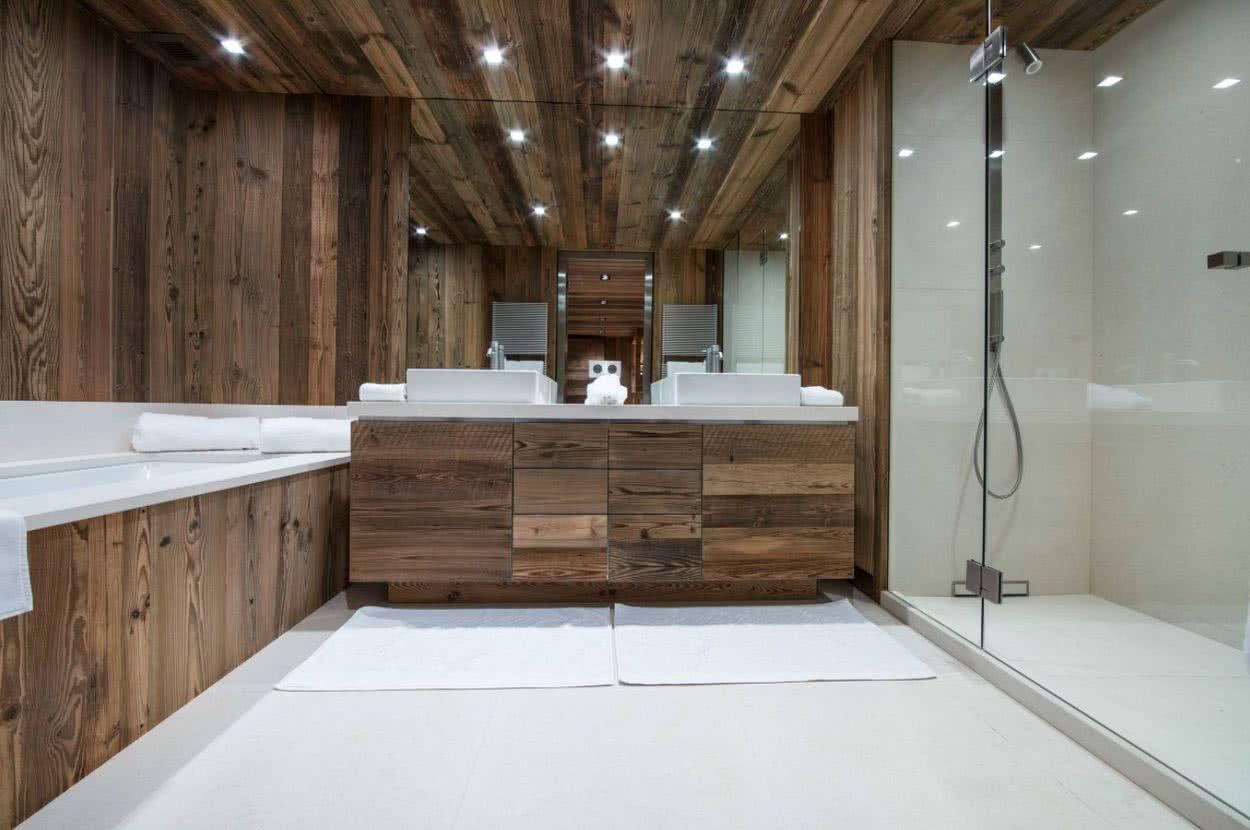Decoración y diseño de baños con dos lavabos estilo rustico