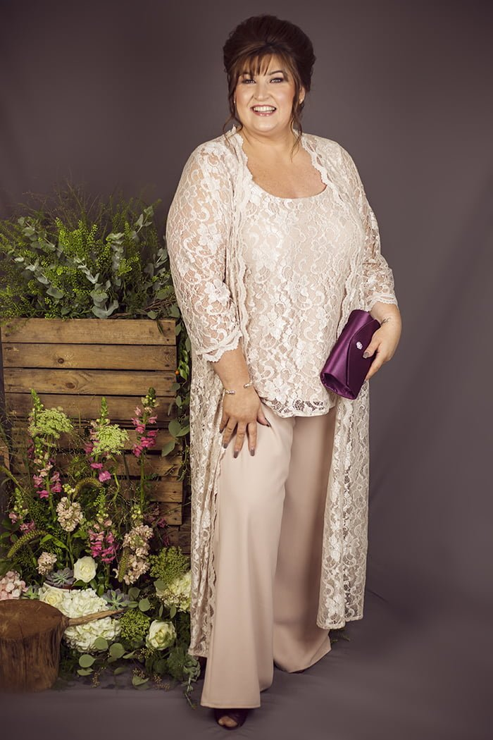 Ideas de vestidos para la graduación de tus hijos para mujeres mayores de 50 años