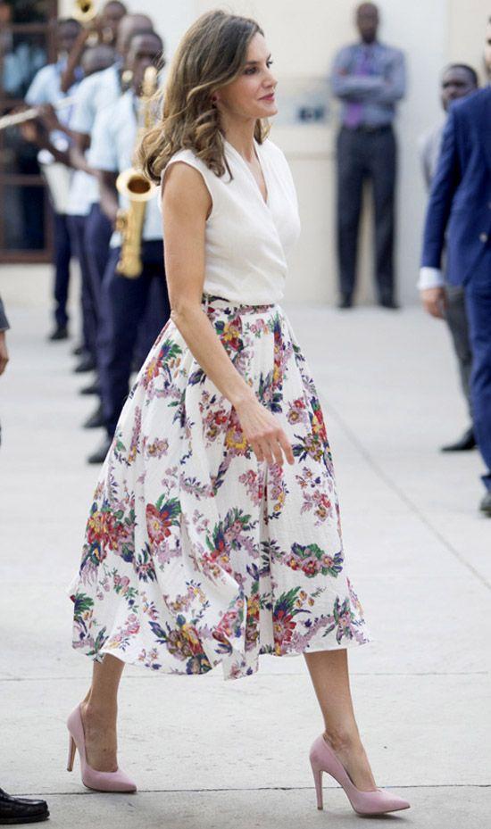 Outfits casuales para el diario mujeres de 30 años o mas: Falda midi