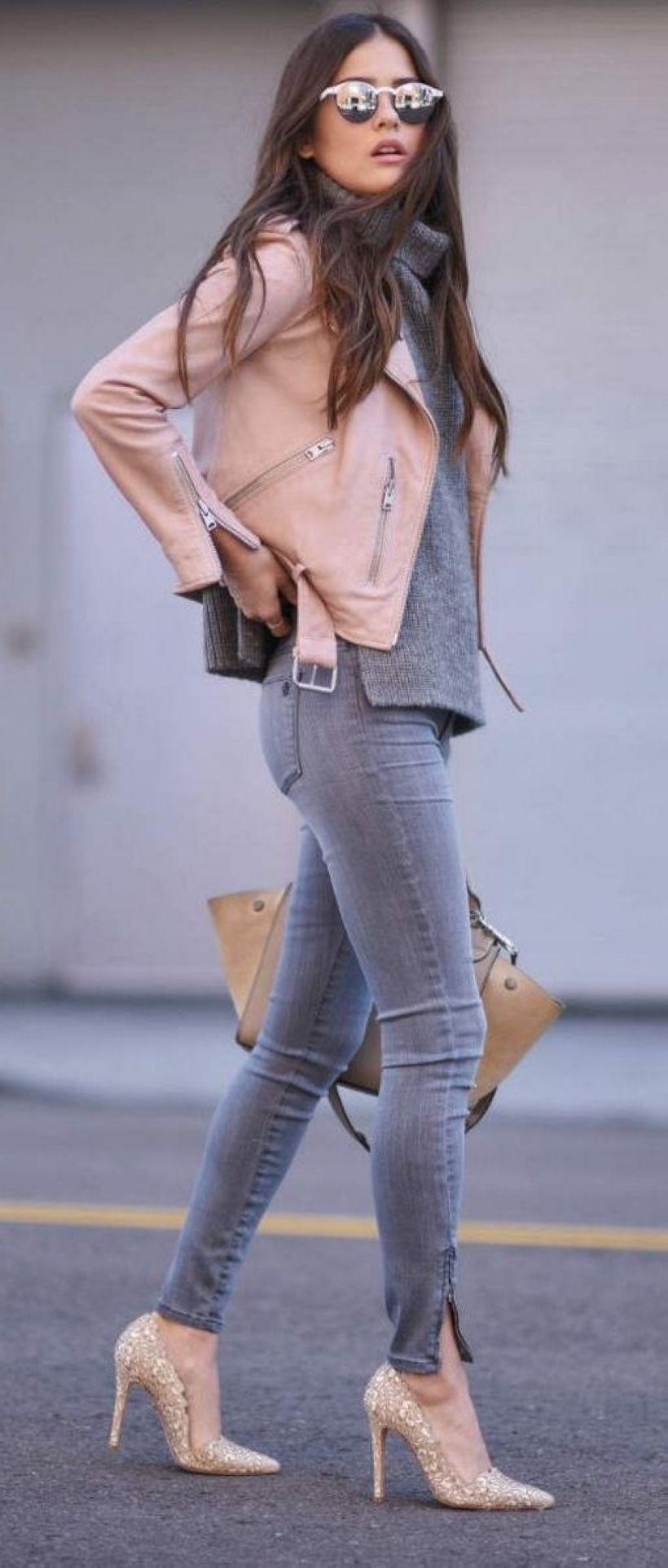 Outfits con tacones y blazer beige