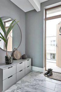 Utilizar un mueble con suficientes cajones en tu hall