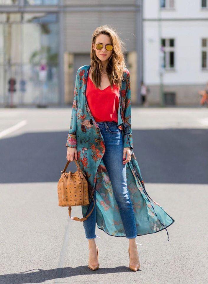 Agrégale un quimono a tus outfits casuales