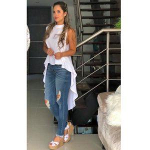 Outfits con maxi blusas y jeans de mezclilla
