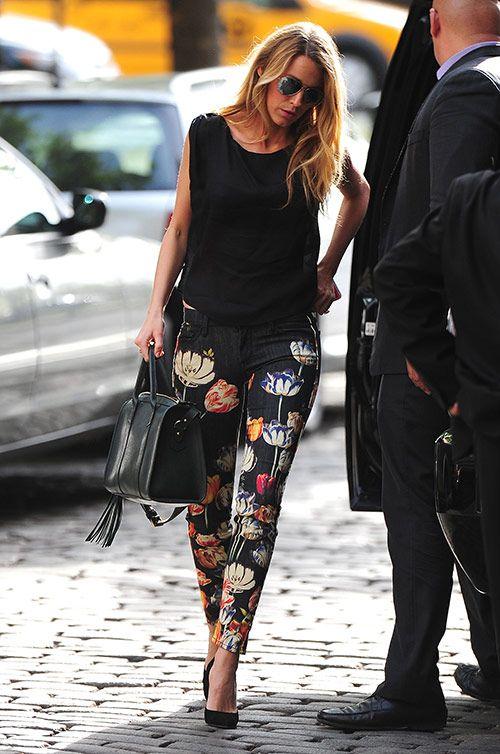 Pantalones estampados floreados