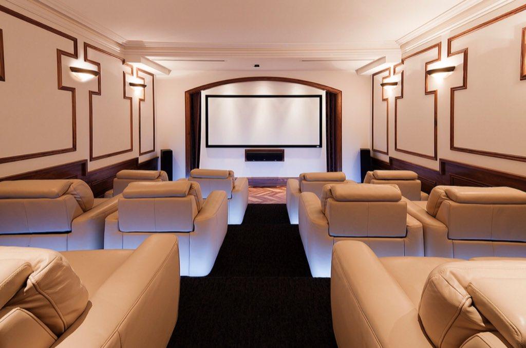 Cine en casa con pantalla panorámica