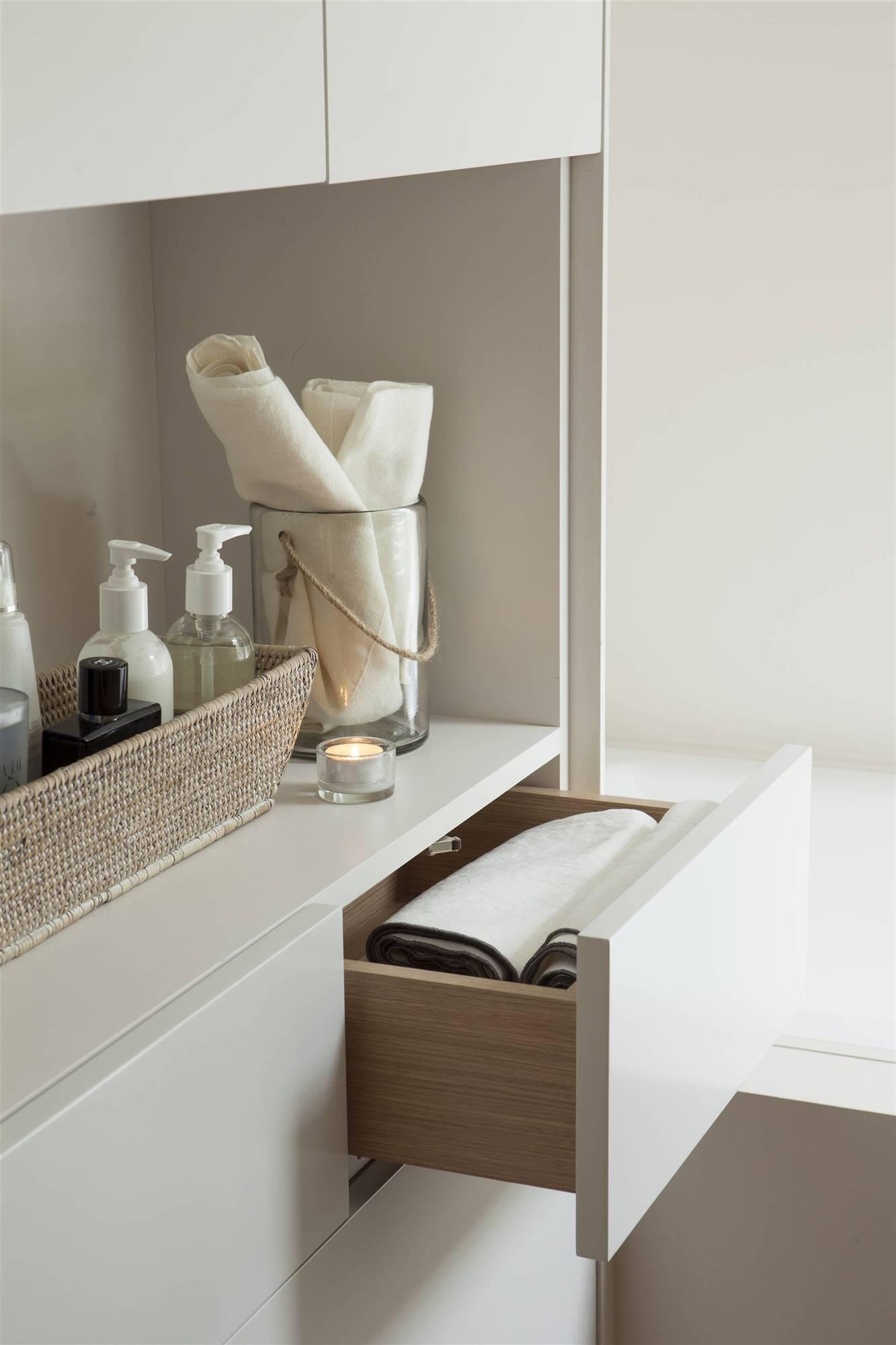 Como ordenas el baño con el método Marie Kondo - agrupa tus productos