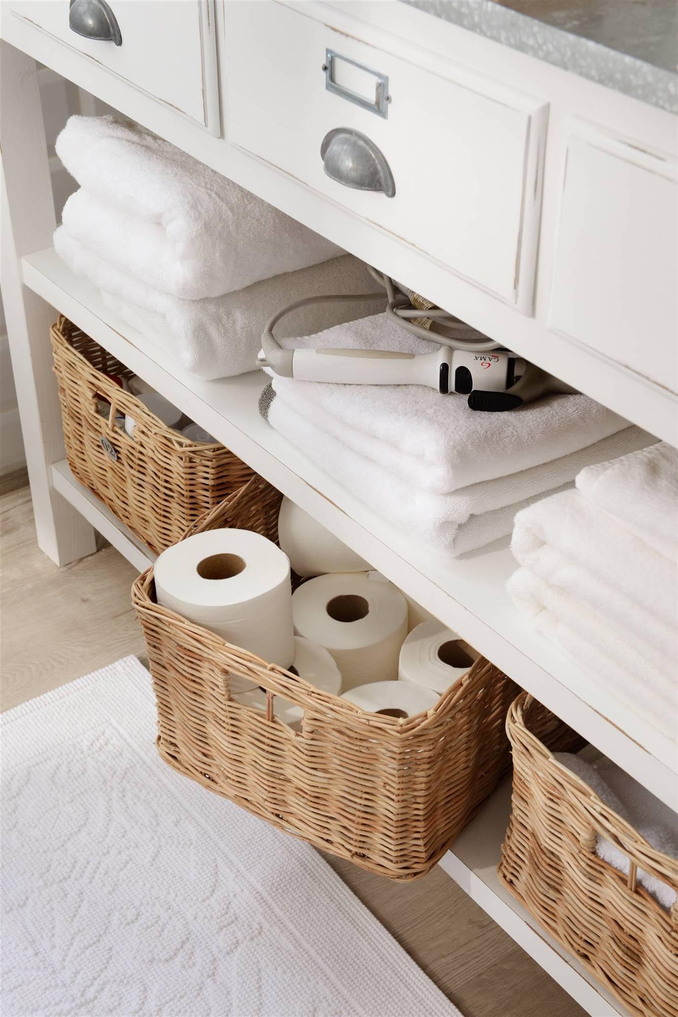 Elige materiales resistentes para tus contenedores o canastas