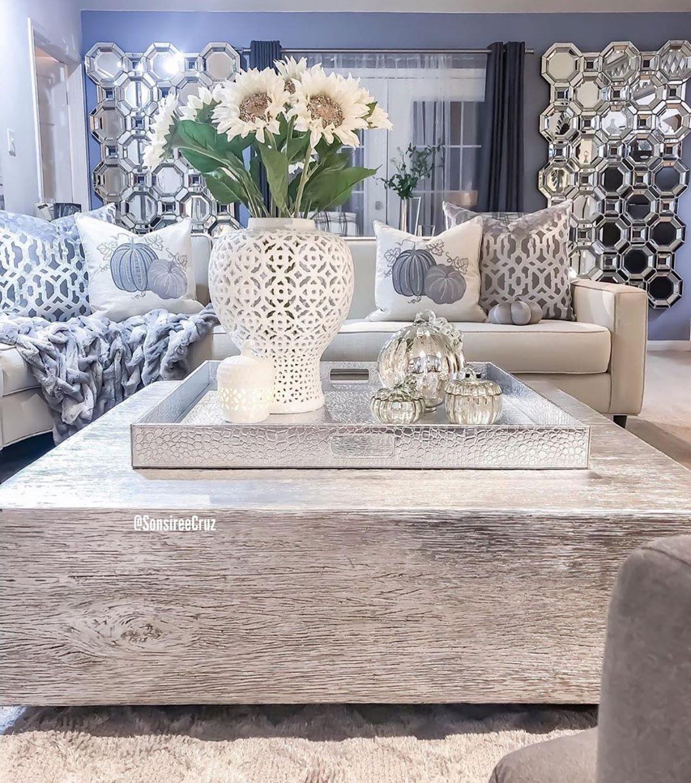 Cambia la mesa de centro por una mas elegante